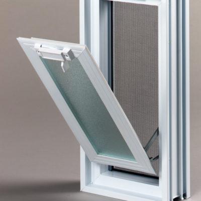Okienko wentylacyjne 1x2 do pustaków szklanych do luksferów otwarte